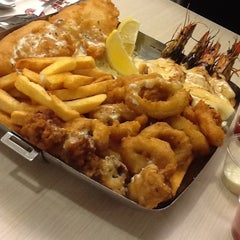 Photo taken at The Manhattan Fish Market by Naz A. on 3/21/2012