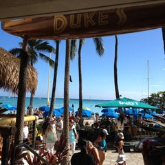 Photo taken at Duke's Waikiki by Zulma A. on 8/6/2012