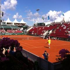 Foto tirada no(a) Båstad Tennis Stadium por Johan F. em 7/12/2012