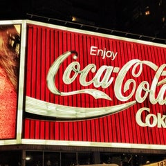 Photo taken at The Coca-Cola Billboard by 高手놀리밑™ on 6/13/2012