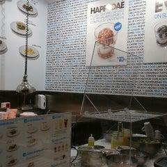 Photo taken at H3 Hambúrguer Gourmet by Manuel L. on 8/2/2012