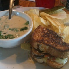 Photo taken at Hammontree's Grilled Cheese by Joseph T. on 7/13/2012