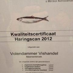 Photo taken at Volendammer Vishandel by Karl D. on 7/6/2012