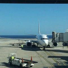 Photo taken at Aeropuerto de Fuerteventura (FUE) by Inés B. on 12/29/2012