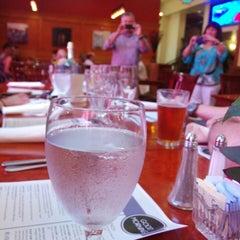 Photo taken at Johnnie's Restaurant by Joey C. on 5/17/2014