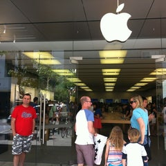 Photo taken at Apple Store, Perth City by Trev on 11/17/2012