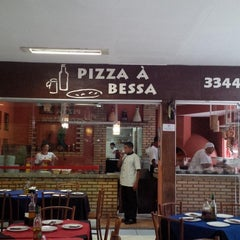 Photo taken at Pizza à Bessa by Henrique M. on 1/11/2013