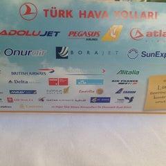 Photo taken at THY Satış Ofisi by Baran A. on 9/11/2015