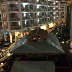 Photo taken at Embassy Suites by Hilton Syracuse by Yegor K. on 10/15/2015