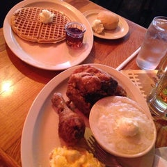 Photo taken at Roscoe's House of Chicken and Waffles by Stephanie L. on 4/6/2013