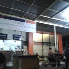 Photo taken at Stasiun Pasar Senen by Phinot Faina F. on 4/3/2013
