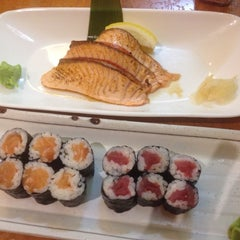 Photo taken at Sushi on Stanley by Lídia A. on 10/11/2014