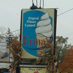 Photo taken at Erma's Frozen Custard by Zana R. on 10/14/2012