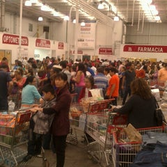 Photo taken at Costco by Kika on 2/17/2013
