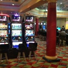 Photo taken at Emerald Casino by Francisco Eduardo B. on 4/7/2013