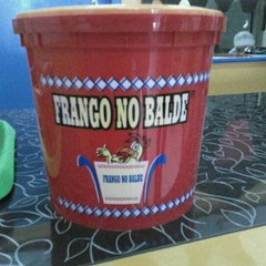 Photo taken at Frango no Balde by Luciano T. on 1/22/2013