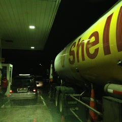 Photo taken at Shell Service Station by Juni S.    c',) on 6/17/2013