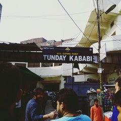 Photo taken at Tunday Kababi by Tarun S. on 12/9/2015