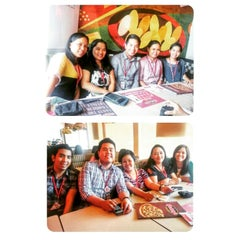 Photo taken at Shakey's by eunice☆ on 12/18/2014