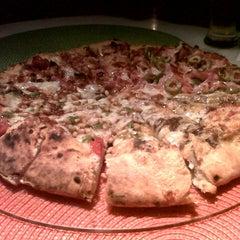 Photo taken at A Tal da Pizza by JOSE LUIS on 7/18/2013