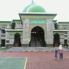 Photo taken at Masjid Agung An-Nur by Ardyan D. on 12/26/2012