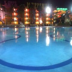 Photo taken at Petals Pool Bar by Miro M. on 1/12/2014