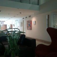 Photo taken at Howard Johnson Hotel La Cañada by Circuito G. on 1/15/2014