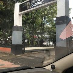 Photo taken at SMA Negeri 1 Makassar by Lauradiah D. on 4/5/2016
