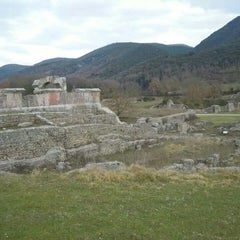 Photo taken at Rovine di Carsulae by Reb's G. on 3/27/2014