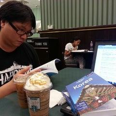 Photo taken at Starbucks by didi on 9/23/2014