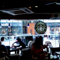 Photo taken at Starbucks 星巴克 by Agnes L. on 6/1/2014