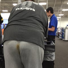Photo taken at Best Buy by Jose R. on 12/28/2014