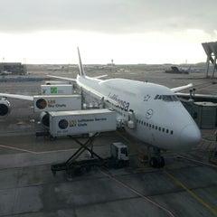 Photo taken at Lufthansa Flight LH 418 by Erik W. on 1/2/2013