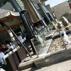 Photo taken at Thyme On Nicol Restaurant by Evashen M. on 4/19/2014