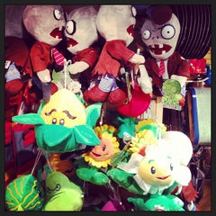 Photo taken at Crow's Nest Toys by Hans H. on 6/16/2013