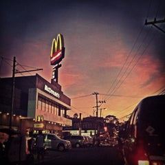 Photo taken at McDonald's by Elcid L. on 12/21/2012