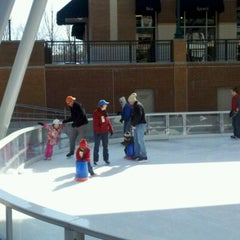 Photo taken at Silver Spring Ice Rink at Veterans Plaza by 🌴ravis P. on 2/20/2012