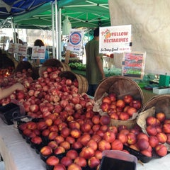 Photo taken at Torrance Farmer's Market by FW1SHINE .. on 7/2/2013