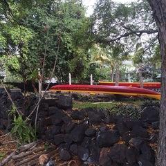 Photo taken at Hōnaunau Bay Puʻuhonua Pt. by Sean K. on 3/5/2014