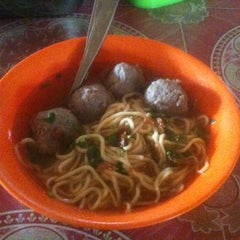 Photo taken at Bakso Awang Long by Rozy F. on 11/25/2013