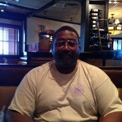 Photo taken at LongHorn Steakhouse by Vicki P. on 4/8/2014