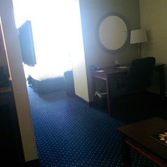 Photo taken at SpringHill Suites Baltimore Downtown/Inner Harbor by Jay Jr. H. on 7/31/2014