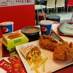 Photo taken at KFC Restaurant by Ruchir G. on 5/17/2014