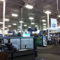 Photo taken at Best Buy by Ashlie K. on 9/21/2014