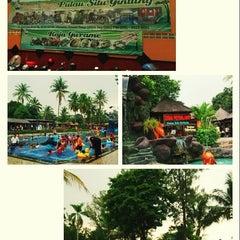 Photo taken at Taman Wisata Pulau Situ Gintung by ewinsimanjuntak on 11/16/2014