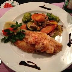 Photo taken at Restaurant Pizzeria Freidorf by Sunnechind on 11/15/2012