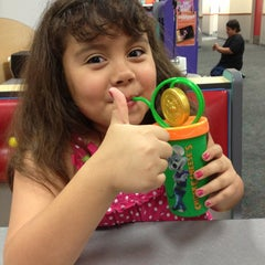 Photo taken at Chuck E. Cheese's by Elmer T. on 4/8/2013