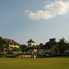 Photo taken at Le Méridien Chiang Rai Resort, Thailand by Boy M. on 1/5/2013