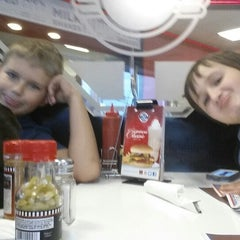 Photo taken at Steak 'n Shake by Kelly C. on 10/11/2014