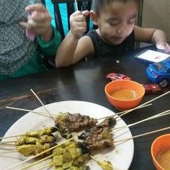 Photo taken at Satay Warisan by Syamimi S. on 2/28/2016